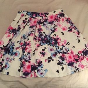 Adrienne Vittadini Floral Skirt with Pockets